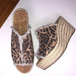 🆕 RAMPAGE / leopard print open toe wedges